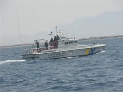 """""""حرس الحدود""""إنقاذ يمني من الغرق"""