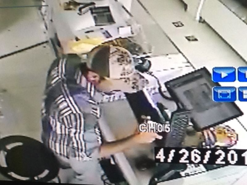 ضبط وافد متسلل امتهن السرقات بالخبر مستغلا تواجده الغير نظامي