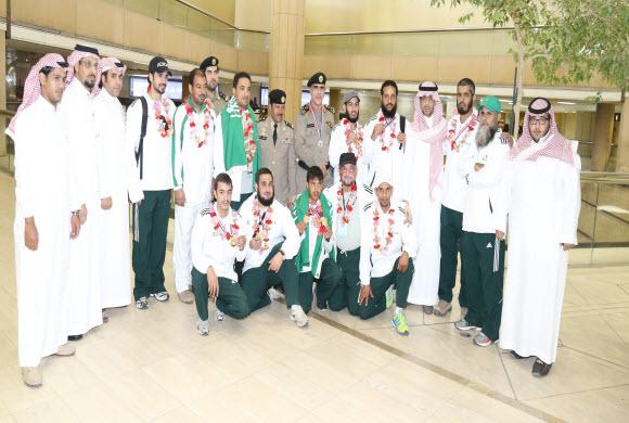 بعثة ابطال الرماية السعودية تحط رحالها بالعاصمة الرياض