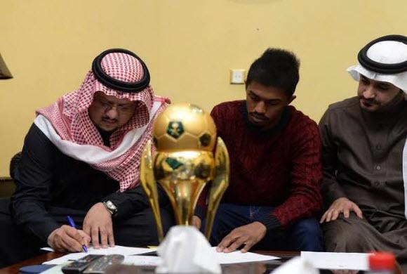 النصر يجدد عقد إبراهيم غالب لخمس سنوات.. والغامدي انتظار