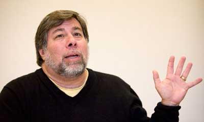 """مؤسس """"آبل"""" يقترح على الشركة الدخول إلى سوق أجهزة """"أندرويد"""""""