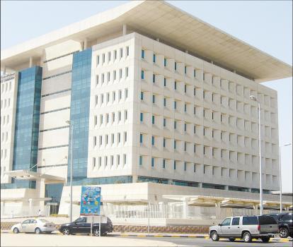 فروع وزارة الخدمة المدنية تواصل استقبال ( 1099) مرشحاَ من حملة درجة البكالوريوس لاستكمال إجراءات ترشيحهم على وظائف إدارية