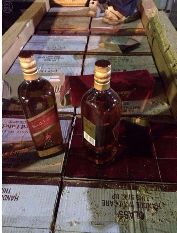 جمرك البطحاء يُحبط محاولتين لتهريب أكثر من 24 ألف زجاجة خمر