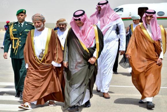 الوزير المسؤول عن الشؤون الخارجية بسلطنة عمان يصل الرياض