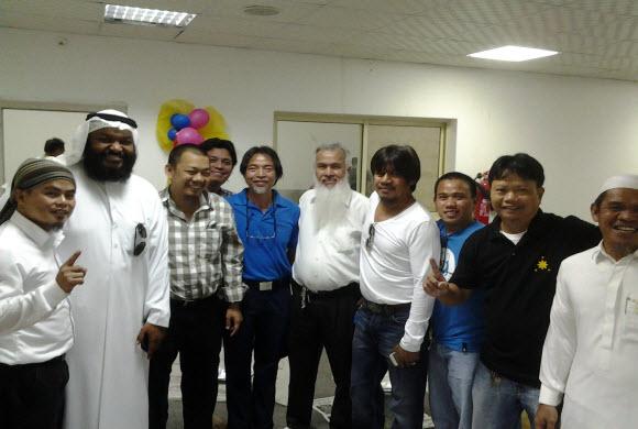 إسلام ثلاثة فلبينيين في حفل زواج داعية مكتب غراس التعاوني
