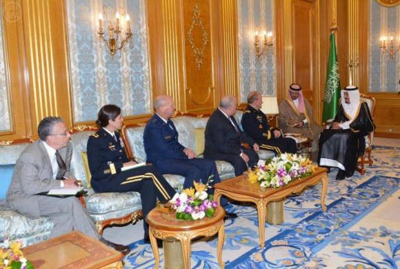 الأميرسلمان بن عبدالعزيز يستقبل رئيس الأركان الأمريكي