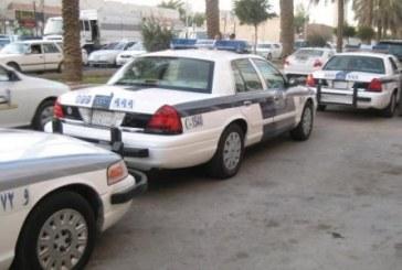 شرطة الرياض: إيقاف مركبة وافد بالقوة بعد صدمه سيارتين ودورية أمنية