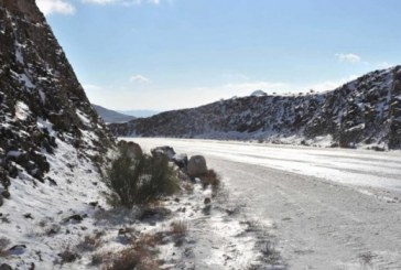 الثلوج تتساقط على عرعر وطريف وحزم الجلاميد