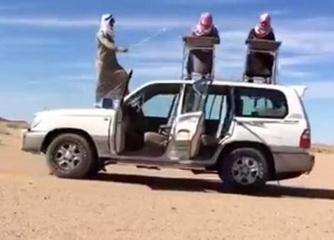 """""""تغطيات"""" ترصد مقاطع ترك السيارة تسير بدون سائق (فيديو)"""