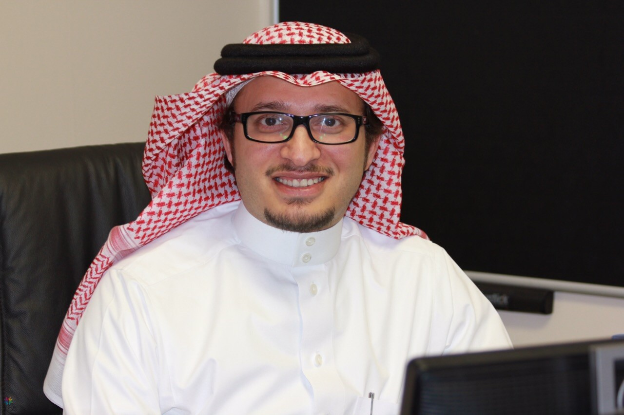 الكاتب أحمد المغلوث ينعي الملك عبدالله عبر (خربشاتي الظهرية(