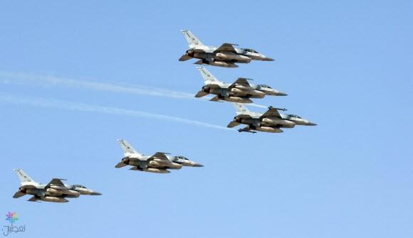 استشهاد طيار ومساعده من القوة الإماراتية إثر سقوط مروحية في اليمن