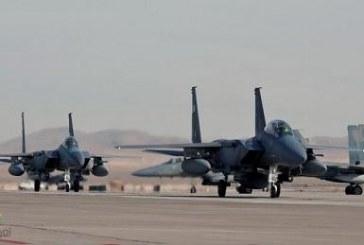 بالفيديو.. إنقاذ طيارين سعوديين فوق البحر الأحمر بعد اصابة طائرتهم الـ F-15 بعطل فني