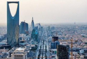 رياح نشطة وغبار يؤثران على الرياض