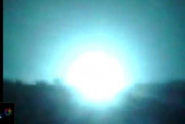 بالفيديو .. طائرات عاصفة الحزم تفجِّر أكبر مخزن أسلحة للحوثيين