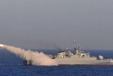 القوات البحرية للتحالف تقصف مواقعَ الحوثيين بعدن