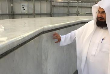 الانتهاء من أعمال استبدال رخام الشاذروان للكعبة المشرفة