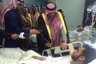 ولي العهد يواسي أسر ضحايا تفجير مسجد الرضا