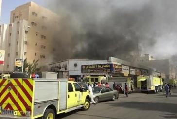 10 فرق إطفاء تحاصر حريق مستود قطع غيار شمالي جدة