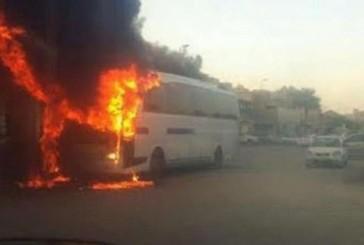 """أرامكو"""" توقف خدمة نقل موظفيها بالحافلات بعد حريق إحداها بالقطيف"""