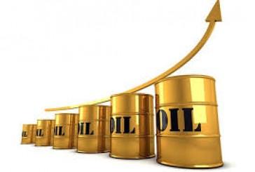 أسعار التعاقدات الآجلة للنفط الخام تواصل مكاسبها