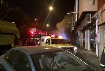 الطائف: إصابة رجال من الدفاع المدني إثر اندلاع حريق بمستودع