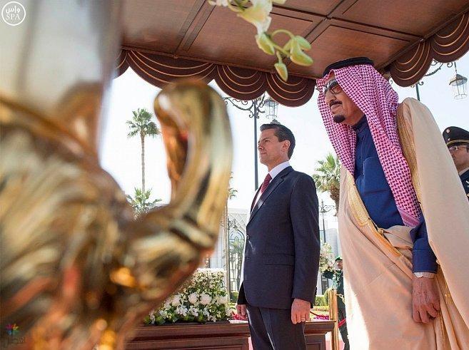 خادم الحرمين يستقبل رئيس الولايات المتحدة المكسيكية