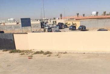 قوات الطوارئ تداهم أوكار مطلوبين أمنيًّا في حي الرمال بالرياض