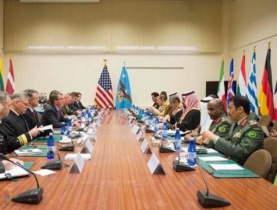"""ولي ولي العهد يلتقي وزراء دفاع """"الناتو"""" في بروكسل"""