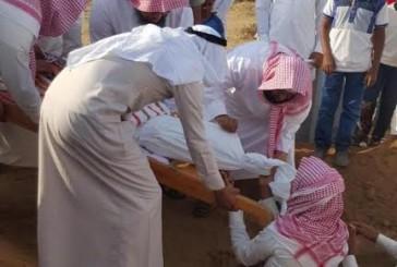 """تشييع الطفل المغدور به """"عبدالله سويدي"""" بجازان"""