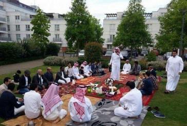 «السفارة» في استراليا تحذر من ارتداء الزي السعودي