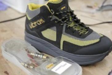 حذاء ذكى جديد يمكنه شحن هاتفك وأجهزتك من حركة جسدك