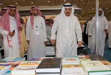 فيصل بن بندر يزور معرض الرياض الدولي للكتاب