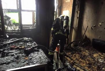 موقف بطولي لأحد رجال الدفاع المدني ينقذ طفلة من الموت حرقاً