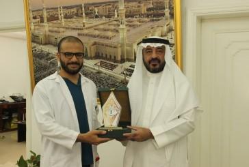 """طالب سعودي يحقق """"المركز الأول"""" بالمؤتمر الوطني الرابع لتطبيق الأبحاث النفسية"""