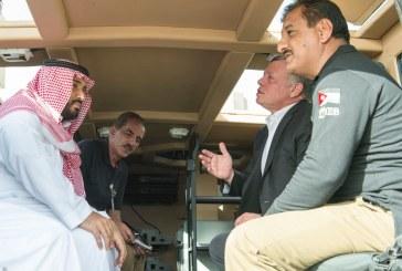 ولي ولي العهد وملك الأردن يطلعان على آليات عسكرية حديثة
