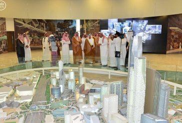 أمير الرياض يزور مشروع مركز الملك عبدالله المالي