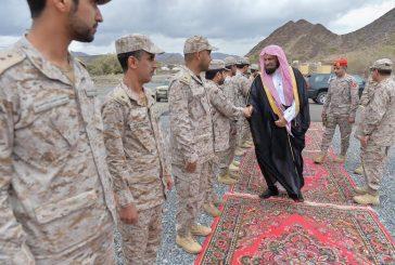 """""""السند"""" يزور الجنود المرابطين في منطقة نجران"""