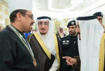 خادم الحرمين يستقبل وزير العمل وممثلي أصحاب المهن العاملين بالقطاع الخاص