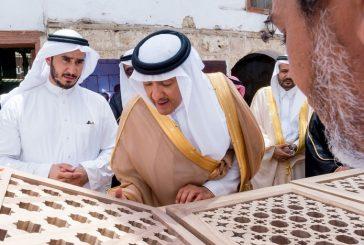 رئيس هيئة السياحة يزور مركز التدريب والإنتاج الحرفي بجدة التاريخية