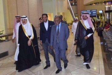 وزير الداخلية الجيبوتي يصل إلى المملكة