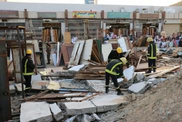 انهيار سور أثناء ازالة مبنى ووفاة عاملين وإصابة عامل بشارع الحج