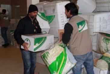 الحملة الوطنية السعودية توزع 707 سلال غذائية على اللاجئين السوريين في الأردن