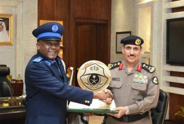 مدير الأمن العام يلتقي وفداً أمنيا رفيعاً من جمهورية القمر المتحدة الشقيقية