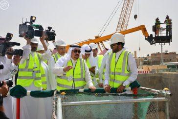 أمير الرياض يطلع على مراحل الإنجاز في مشروع قطار الرياض