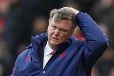 مانشستر يونايتد يعلن إقالة مدربه لويس فان جال