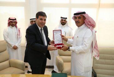 الجمارك السعودية توقع مذكرة تفاهم مع شركة ATU السعودية لتنظيم الأسواق الحرة