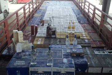 """جمرك البطحاء يحبط تهريب أكثر من 35 ألف زجاجة خمر مخبأة داخل إرساليتي """"معكرونة وشعيرية"""""""