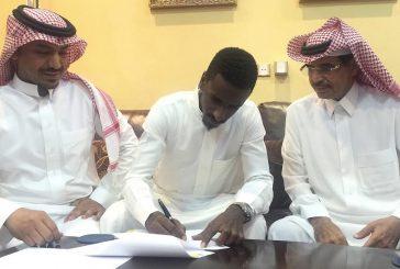 شايع شراحيلي يجدد عقده مع النصر لسنة ونصف