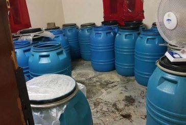 """ضبط أكثر من 3 آلاف عبوة عرق مسكر بمصنع خمور في """"الخميس"""""""