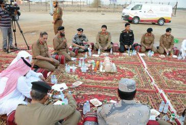 """صائمون صامدون القيادات الأمنية تفطر على آخر نقطة حدودية في رسالة """" حدودنا آمنه """""""
